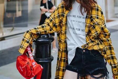 格子衬衫怎么搭配好看 2020年穿衣风格要跟上