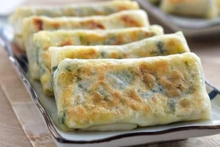 韭菜盒子的做法,皮薄馅足不油炸吃起来酥脆吃货必备