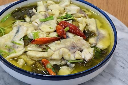 酸菜鱼的做法汤鲜味美,鱼肉脂肪含量低不用担心长肥膘