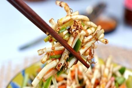 鱼腥草的功效与作用,凉拌鱼腥草清热去火治疗咽喉不适