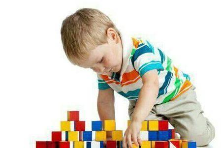 育儿知识:3岁孩子不听话跟你吵架应该怎么管教的教育问题