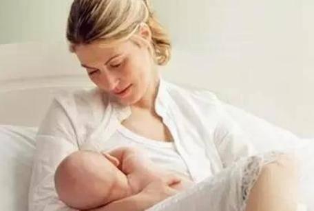 产后哺乳期乳房涨奶有硬块怎么处理 涨奶疼痛是什么引起的
