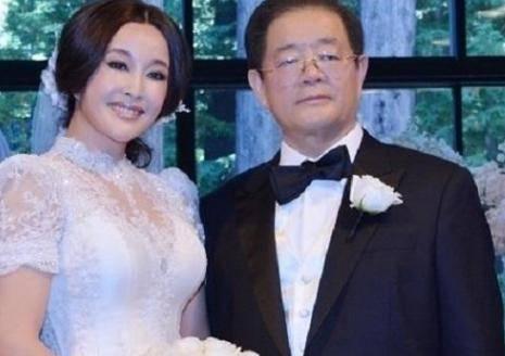 五十岁的女人还能收获爱情吗?巩俐刘晓庆在对时间拥有真爱