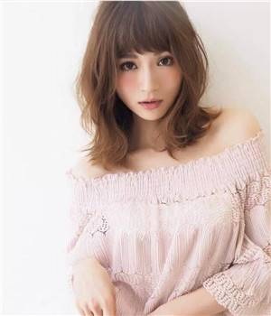 女生羊毛卷发型图片,五款减龄羊毛卷的发型设计