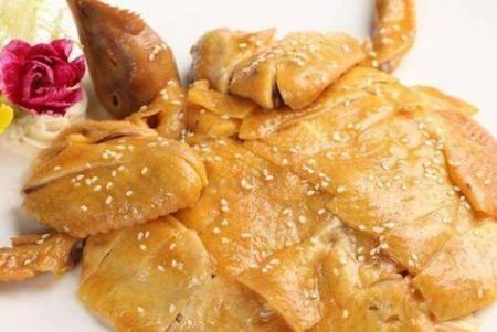 盐焗鸡的做法 正宗广州咸香口味的盐焗鸡烹饪窍门