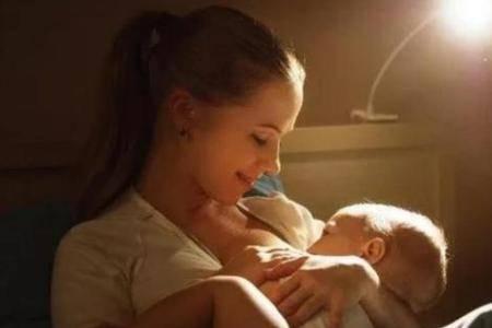 婴儿睡眠不好的原因和正确做法 怎么让婴儿夜晚睡得安稳不易醒