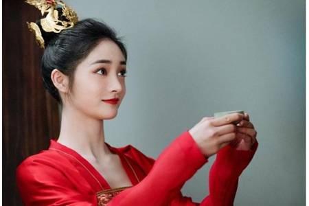 周洁琼被曝《有翡》加戏碾压赵丽颖,古装造型暴露颜值缺陷
