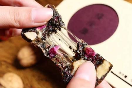 阿胶糕一斤多少钱,学会正宗阿胶糕的做法实惠又营养
