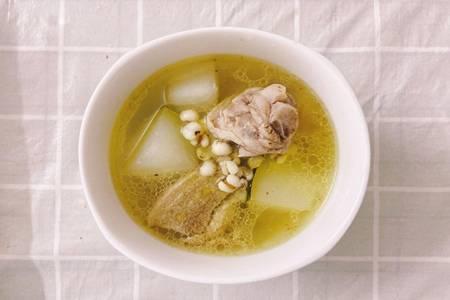 降火老鸭汤的五种家常做法,酸萝卜鸭肉汤鲜美好味道