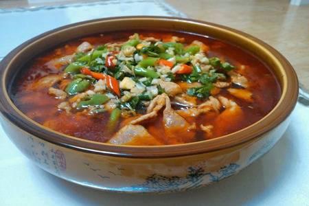 水煮肉片的家常做法,肉片嫩滑香辣汤汁令人流口水