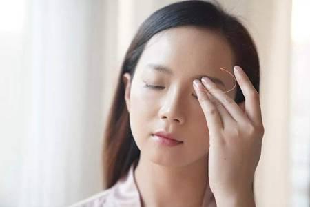 眼霜的正确使用方法步骤,做好眼部护理去除眼尾纹