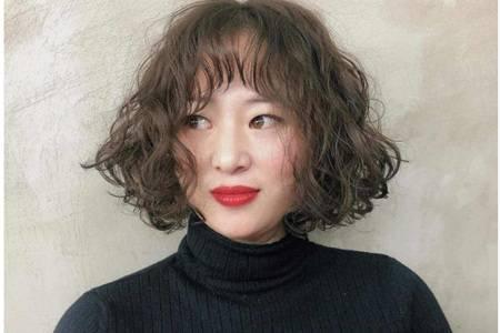 2020女生流行羊毛卷发型图片,短发长发烫减龄羊毛卷造型