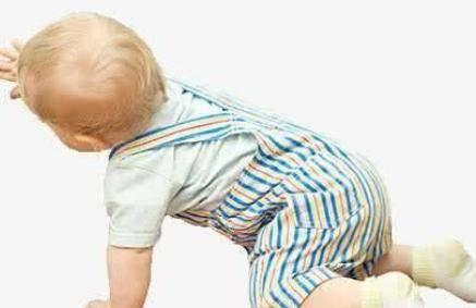 10个月宝宝发育指标 10个月还不会爬属于正常吗?