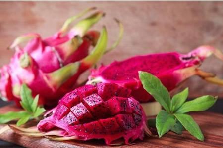 火龙果的六大功效与作用,女性减肥排毒的美容水果