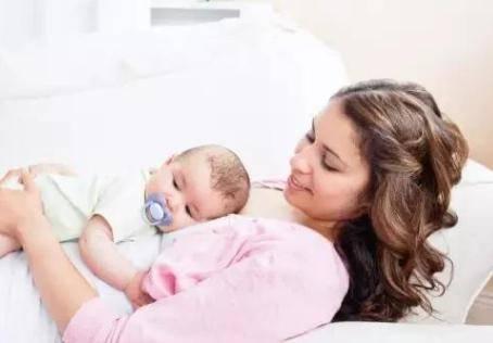 坚持母乳喂养的产妇如何催奶?做好这4点让你促进乳汁