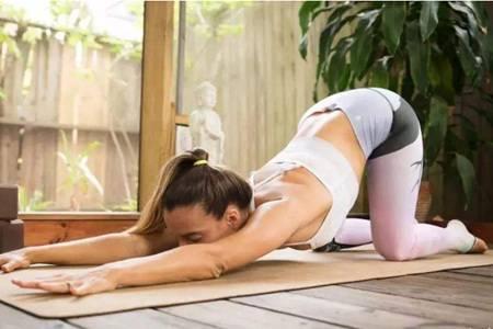 瑜伽的好处及作用,初学者练瑜伽三个月后的身材变化