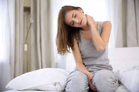 落枕了怎么快速好起來,脖子酸痛僵硬六個方法緩解