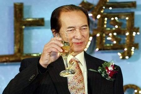 赌王何鸿燊98岁去世,5000亿家产分配四房太太成焦点
