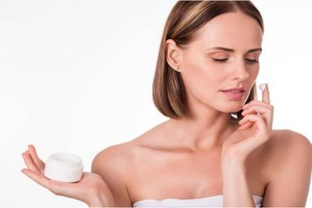 一套护肤品的使用顺序,四个诀窍让你不再用错护肤品