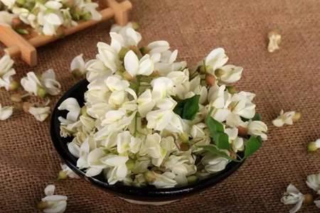 槐花的六大功效與作用,槐花泡茶清涼解火降血壓