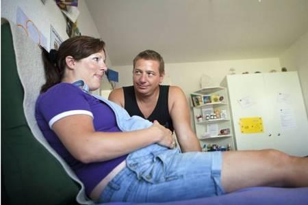 hcg值多少是怀孕,女性怀孕的四个初期症状告诉你要当妈了