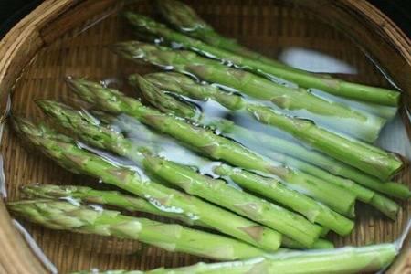 蘆筍的六個功效與作用,常吃蘆筍抗氧化瘦出好身材