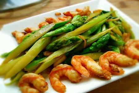 芦笋家常菜怎么做好吃,抗氧减肥的芦笋制作步骤大全