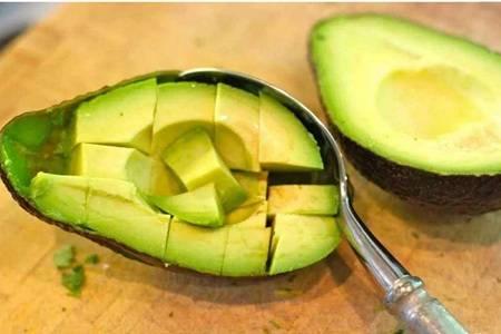 牛油果的营养价值减肥美容,牛油果的七个功效作用惊人