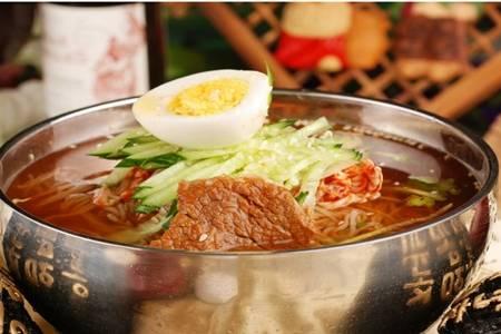正宗韩式冷面的简单家常做法,酸爽开胃冷面吃到停不下来