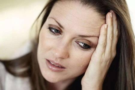 美容养生会所白带发黄是什么原因?女性白带异常要注