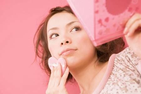 画日常妆容步骤的小技巧,化妆小白轻松变美