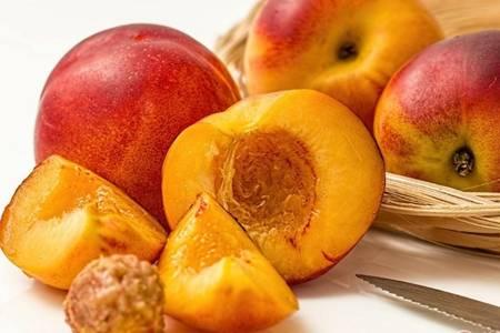 油桃的滋阴功效与作用,油桃三大食用禁忌