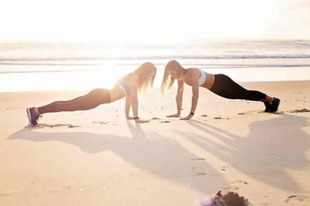 波比跳怎么做不伤膝盖?波比跳运动减肥效果最好的方法
