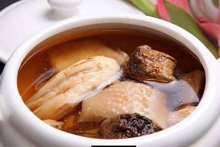 鸡汤怎么炖好喝又营养,小妙招煮鸡汤香浓不油腻