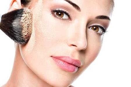 初学者化妆的正确步骤,化妆选择适合自己的底妆产品