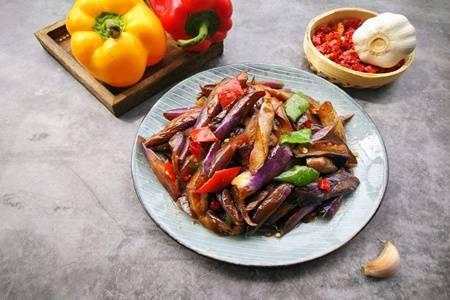 红烧茄子的家常做法,美味茄子酱汁浓郁拌饭一口不剩