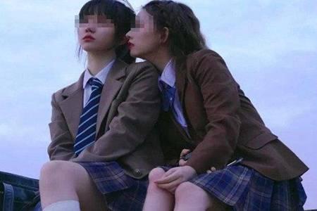 16岁少女撩衣拍私房照怎么回事  广州漫展事件真相曝光JK圈不背锅