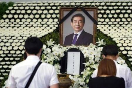韩国已故首尔市长性骚扰事件持续发酵  手机密码被性骚扰案受害人破解