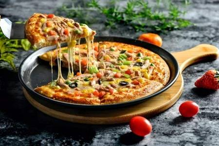 披萨怎么做家庭做法,烤箱简单做四种披萨菜谱