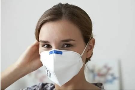 白色口罩易引发皮肤问题,常戴口罩如何护理皮肤