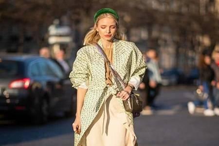 欧美街拍碎花裙怎么穿好看  2020流行法式浪漫穿搭满满高级感