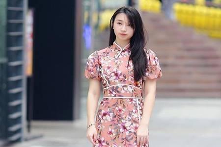 夏天穿搭没灵感怎么办 国内街头潮人实力示范旗袍美装