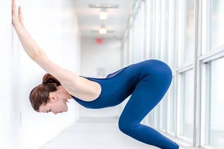 女人练习瑜伽的好处是什么 4个简单瑜伽动作帮你成功减肚子