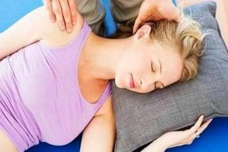 精油真的能起到丰胸效果吗  精油按摩丰胸手法是怎样