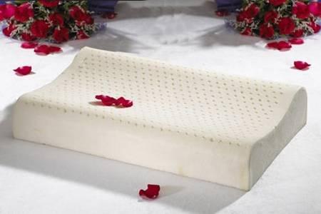 乳胶枕头的好处和坏处 保护女性颈椎的健康