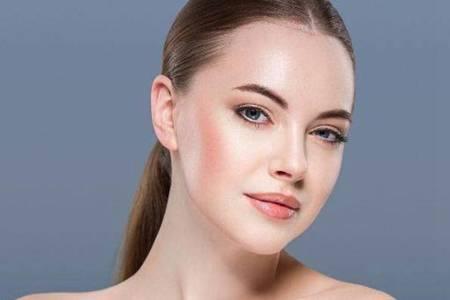 爽肤水和柔肤水的区别 洗脸后只涂爽肤水或柔肤水可以吗