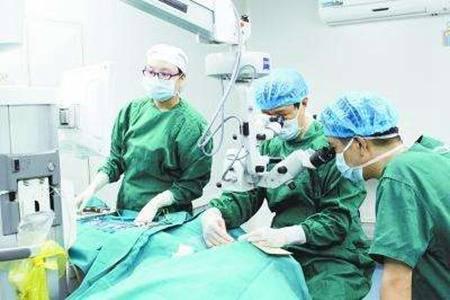 激光手术治近视眼的后遗症 手术之前要知道的两件事