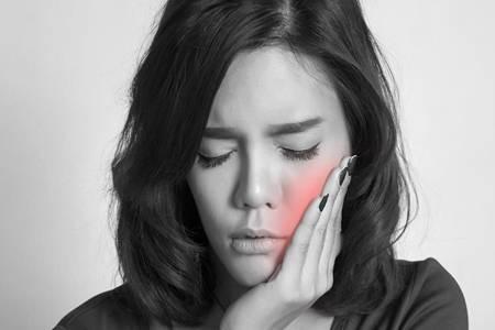 牙龈肿痛怎么办吃什么药  6种食物帮你迅速消炎