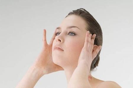 8月中暑了头痛怎么办 三招快速缓解不舒服症状