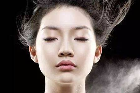 全身皮肤粗糙怎么办  皮肤粗糙是什么原因引起的如何治疗